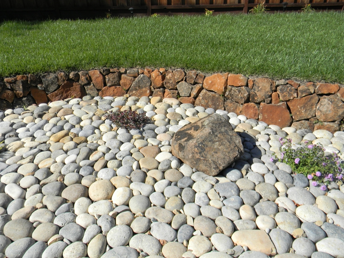 10 Ton River Rock : River rock decorative gravel depot bloc laval